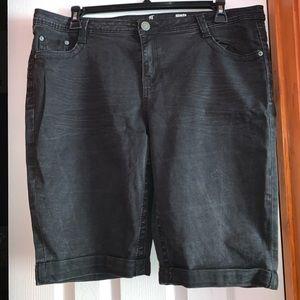 Women's Plus Almost Famous Shorts